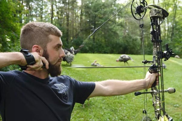 How To Aim A Compound Bow